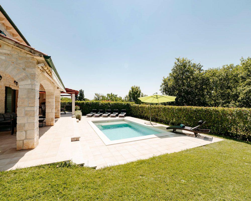 Villa Dracena Poolbereich