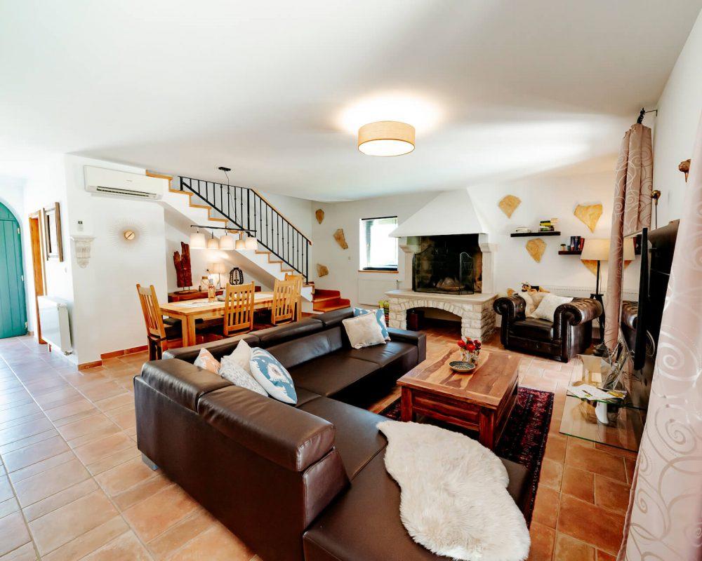 Villa Dracena Couch