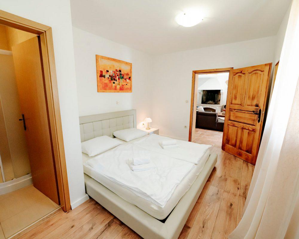 Villa Dracena erstes Schlafzimmer Ansicht