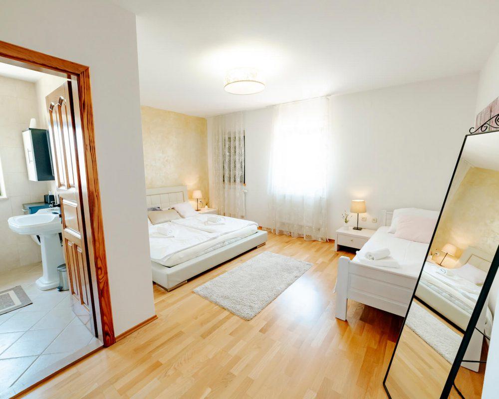 Villa Dracena großes Schlafzimmer