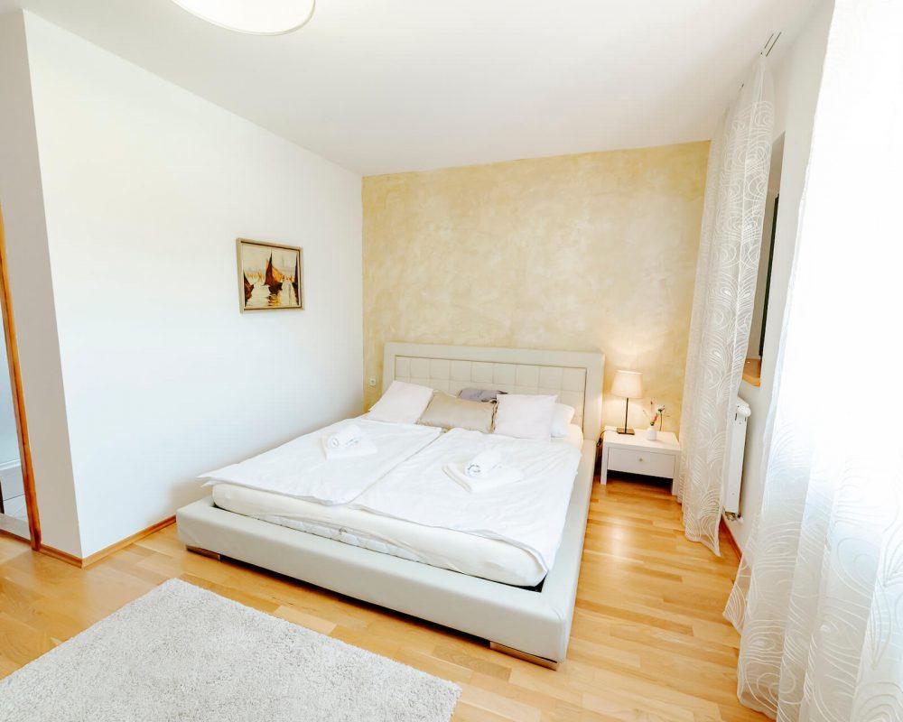 Villa Dracena großes Schlafzimmer Ansicht